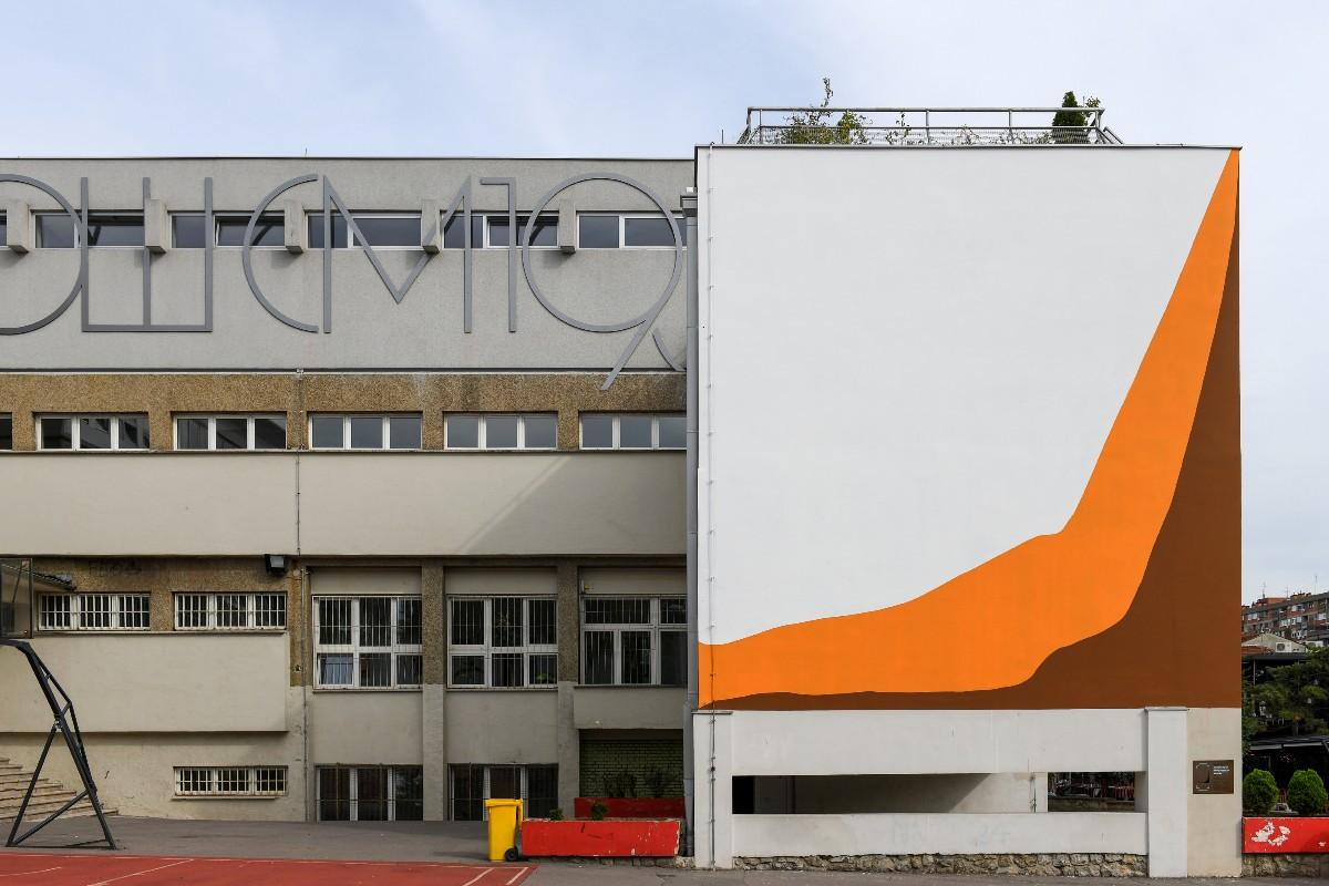 «Especies en extinción y población humana de 1800 a 2010». Pintura mural. PSJM, 2020. Cortesía de los artistas y Museo de Arte Contemporáneo de Belgrado MSUB / MoCAB, Belgrado, Serbia.