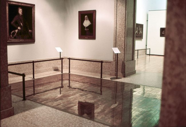 Leonor Antunes, una sala, en el Museo Nacional de Arte Antiguo de Lisboa