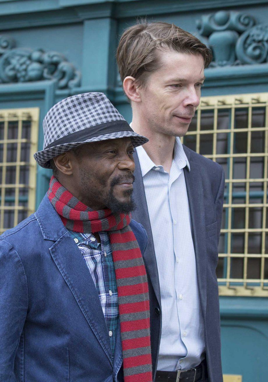 Olu Oguibe y Adam Szymczyk